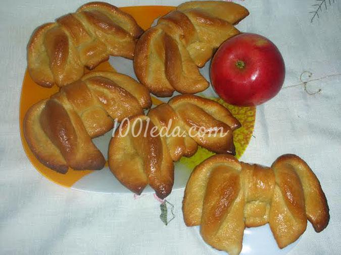 Булочки-бантики из яблочного теста