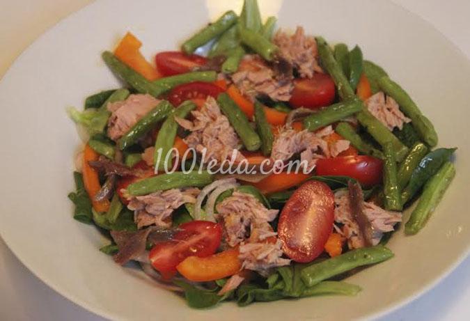 Салат с тунцом, анчоусами и зеленой фасолью