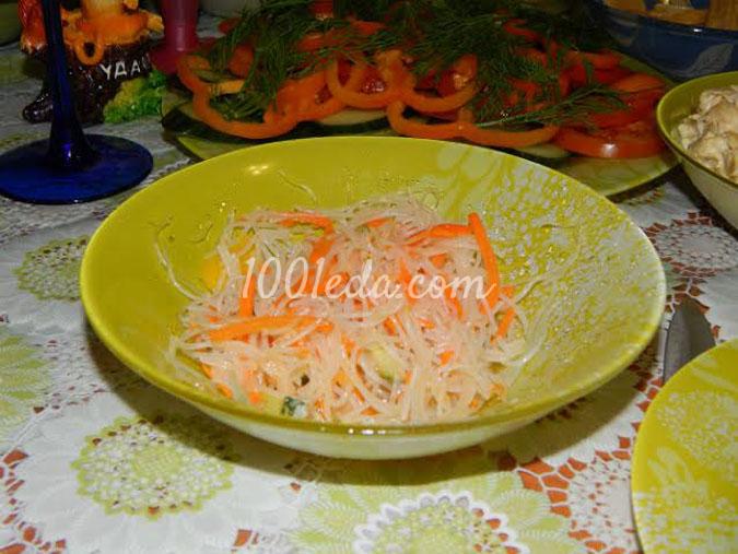 Салат из фунчозы с корейской морковкой