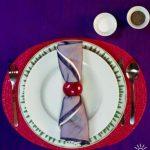 Фото: Салфетки для сервировки стола к обеду. Сиреневый и красный.
