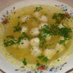 Суп с фрикадельками для детей.