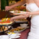 Как составить меню для свадебного стола