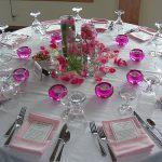 Фото сервировки стола: Используем декор из лепестков