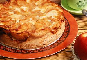 Рецепт приготовления шарлотка с яблоками со сметаной