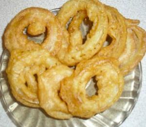 рецепт приготовления Закуска из лука и кальмаров