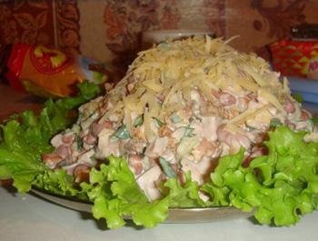 Салат с фасолью и курицей и сухариками рецепт с пошагово