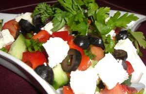 Быстрый овощной салат с сыром