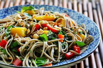 Китайский салат с тунцом