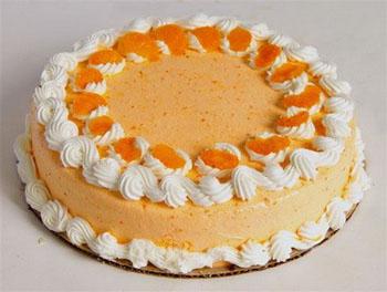 торт со сливками и мандаринами