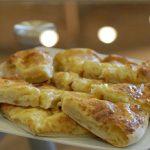 Хачапури - грузинский сырный хлеб