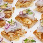 Картофельные тартинки с сельдью