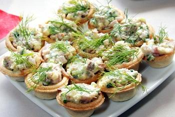 Рецепт грибных тарталеток с салатом из курятины