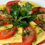 Закуска из помидоров с манго