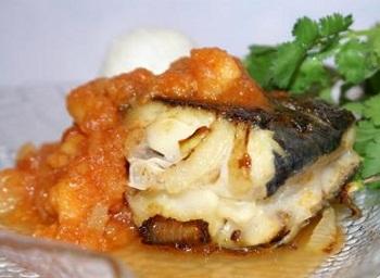Рецепт белой рыбы с фруктовым соусом