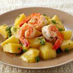 Тушеный картофель с креветками