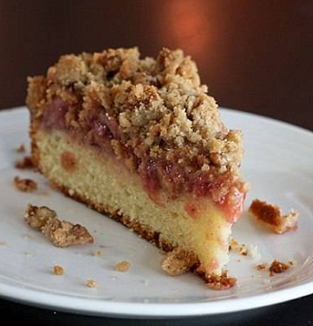 """Пирог из ревеня """"Сладкая жизнь"""" – кулинарный рецепт"""