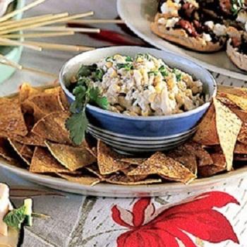 Рецепт салата из кукурузы с чипсами
