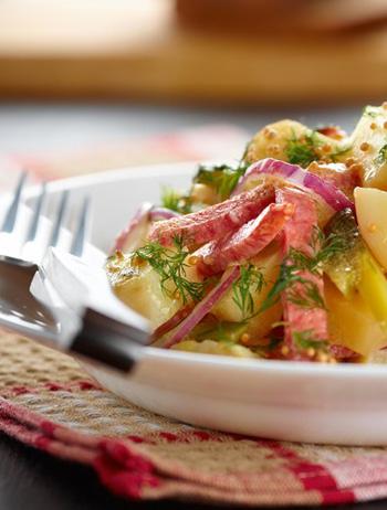 картофельный салат с копченой колбасой