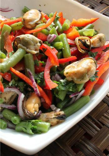 простой салат из морепродуктов с мидиями рецепты
