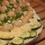 """Слоеный салат """"Лукошко"""" с курицей: рецепт с пошаговым фото"""