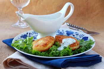 Куриные зразы с сыром и яйцом – кулинарный рецепт