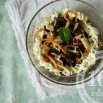 Салат из фасоли с сухариками и корейской морковкой: рецепт с пошаговым фото