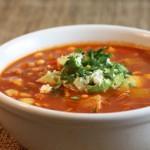 Острый куриный суп с релишем из авокадо