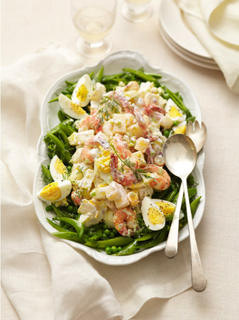 праздничный рецепт салат с сухариками и креветками