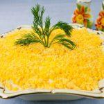 Салат Мимоза с семгой и сливочным маслом