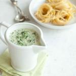 Густой соус со шпинатом и сыром пармезан