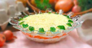 """Как приготовить салат """"Мимоза"""" со шпротами в масле"""