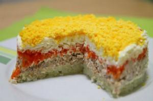 """Рецепт салата """"Мимоза"""" с консервированной горбушей"""