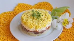 """Рецепт салата """"Мимоза"""" с картофелем и морковью"""