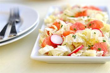 Рецепт салата из капусты и редиса к шашлыку
