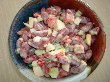 Салат из фасоли крабовых палочек и перца