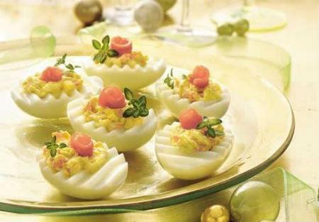 Украшение фаршированных яиц