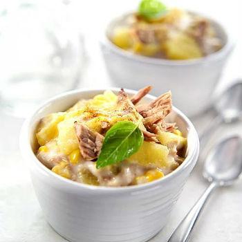 рецепт салата из курицы и маринованных ананасов