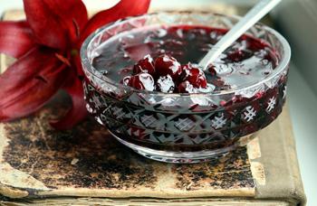 Варенье из вишни с корицей