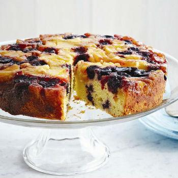 Пирог в мультиварке из вишни