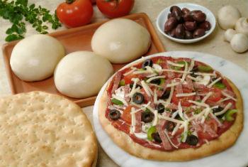Тонкое тесто для пиццы на молоке