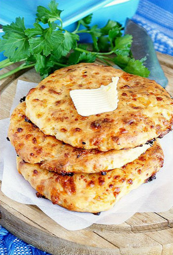 Рецепт лепешек с сыром в духовке