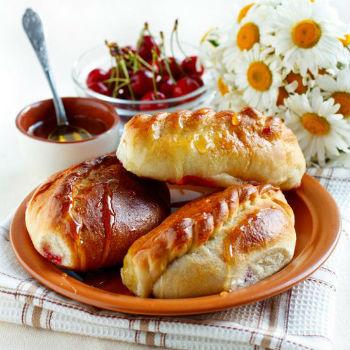 рецепт печеных пирожков с вишней