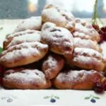 Пирожки с вишнево-творожной начинкой