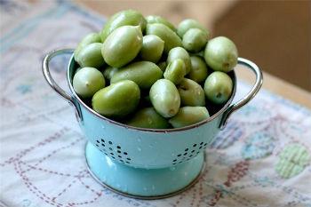 Как квасить зеленые помидоры в бочке