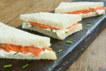 Рецепт бутербродов с семгой и сыром