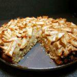 Рецепт шарлотки с рисом и яблоками