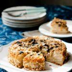 Рецепт миндального пирога с грушей и черникой