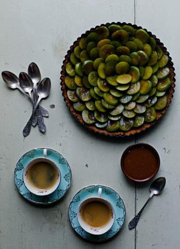 Рецепт пирога с фруктами и карамелью
