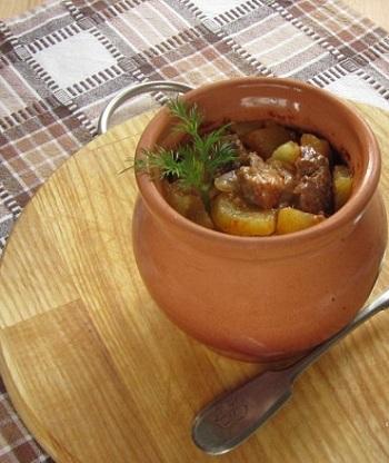Тушеное в горшочке мясо с картошкой 10