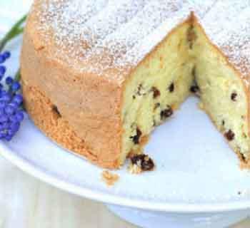 Рецепт бисквитного пирога с изюмом в мультиварке